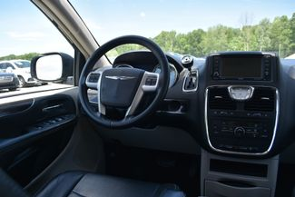 2014 Chrysler Town & Country Touring Naugatuck, Connecticut 13
