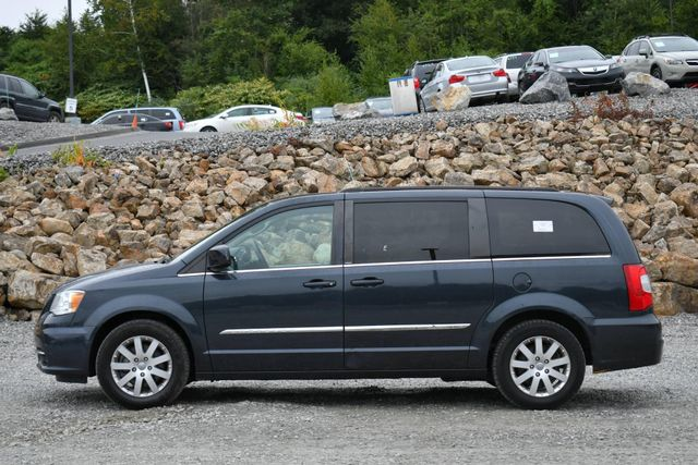 2014 Chrysler Town & Country Touring Naugatuck, Connecticut 1