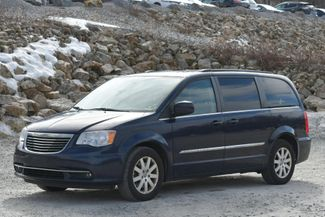 2014 Chrysler Town & Country Touring Naugatuck, Connecticut 2