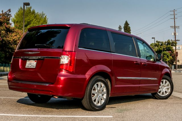 2014 Chrysler Town & Country Touring in Reseda, CA, CA 91335