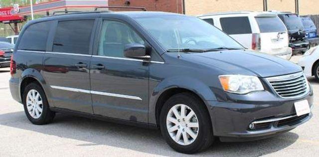 2014 Chrysler Town & Country Touring St. Louis, Missouri 0