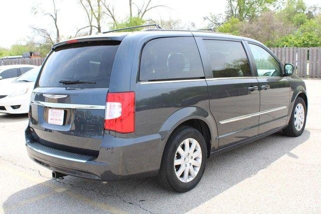 2014 Chrysler Town & Country Touring St. Louis, Missouri 4