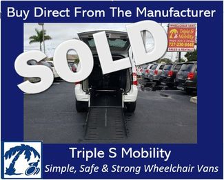 2014 Chrysler Town & Country Touring Wheelchair Van Handicap Ramp Van Pinellas Park, Florida
