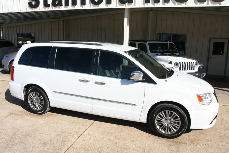 2014 Chrysler Town & Country Touring-L in Vernon Alabama