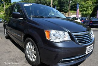 2014 Chrysler Town & Country Touring Waterbury, Connecticut 10
