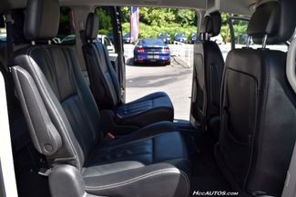 2014 Chrysler Town & Country Touring Waterbury, Connecticut 22