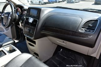 2014 Chrysler Town & Country Touring Waterbury, Connecticut 23