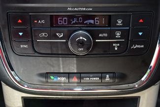 2014 Chrysler Town & Country Touring Waterbury, Connecticut 37