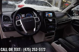 2014 Chrysler Town & Country Touring Waterbury, Connecticut 9