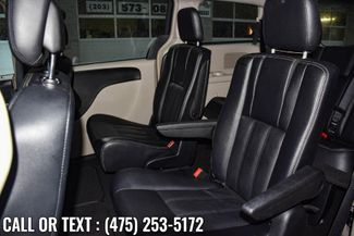 2014 Chrysler Town & Country Touring Waterbury, Connecticut 12