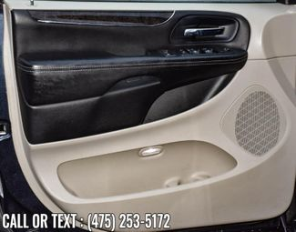2014 Chrysler Town & Country Touring Waterbury, Connecticut 20