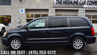 2014 Chrysler Town & Country Touring Waterbury, Connecticut 3
