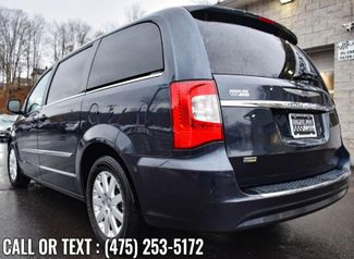 2014 Chrysler Town & Country Touring Waterbury, Connecticut 4