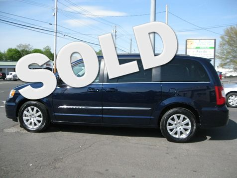 2014 Chrysler Town & Country Touring in , CT
