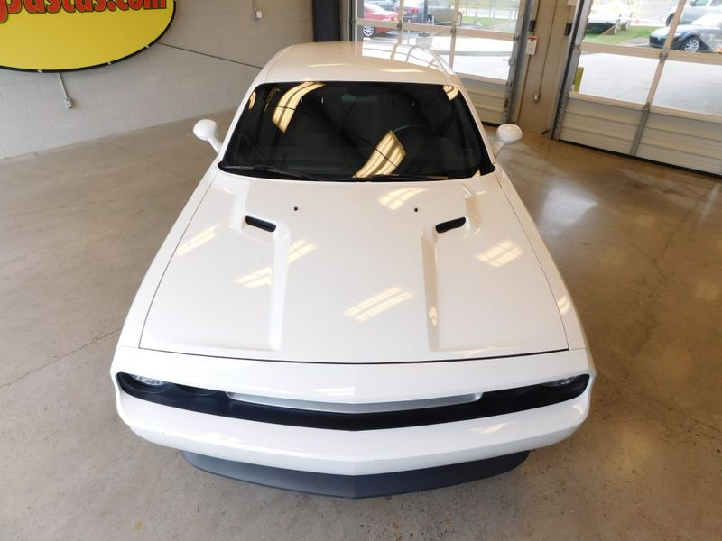 2014 Dodge Challenger SXT  city TN  Doug Justus Auto Center Inc  in Airport Motor Mile ( Metro Knoxville ), TN
