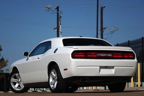2014 Dodge Challenger SXT* V6* EZ Finance**   Plano, TX   Carrick's Autos in Plano, TX