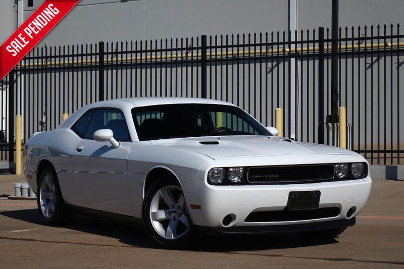 2014 Dodge Challenger SXT* V6* EZ Finance**   Plano, TX   Carrick's Autos in Plano TX