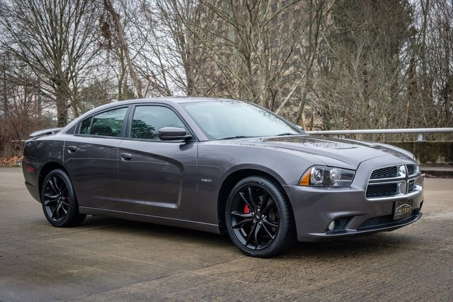 2014 Dodge Charger RT HEMI SUNROOF rear spoiler beats audio in Memphis, Tennessee 38115