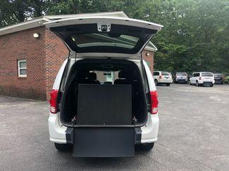 2014 Dodge Grand Caravan R/T handicap wheelchair accessible van Dallas, Georgia 1