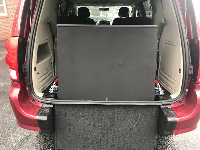 2014 Dodge Grand Caravan handicap wheelchair accessible van Dallas, Georgia 10