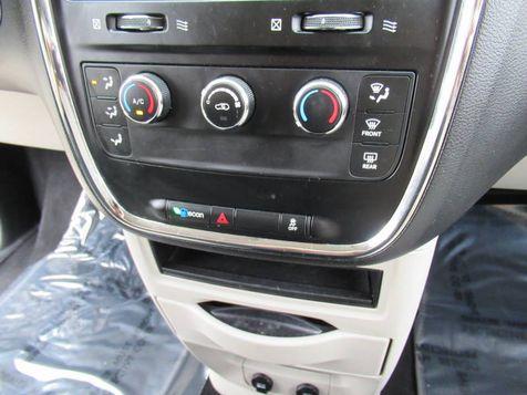 2014 Dodge Grand Caravan SE  w/ American Value Pkg   Houston, TX   American Auto Centers in Houston, TX