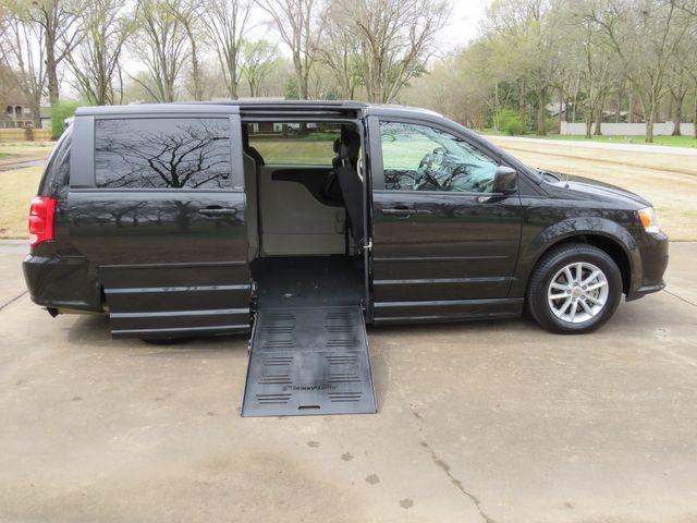 2014 Dodge Grand Caravan SXT Braun Enter Wheelchair Van