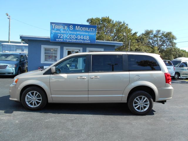 2014 Dodge Grand Caravan Sxt Wheelchair Van Pinellas Park, Florida 1