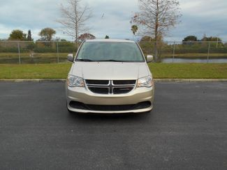 2014 Dodge Grand Caravan Sxt Wheelchair Van Handicap Ramp Van DEPOSIT Pinellas Park, Florida 3