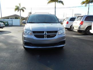 2014 Dodge Grand Caravan Sxt Wheelchair Van Handicap Ramp Van Pinellas Park, Florida 3