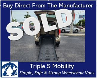 2014 Dodge Grand Caravan Sxt Wheelchair Van Handicap Ramp Van in Pinellas Park, Florida 33781