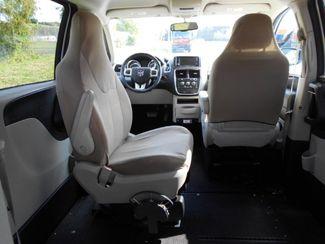 2014 Dodge Grand Caravan Sxt Wheelchair Van Pinellas Park, Florida 10