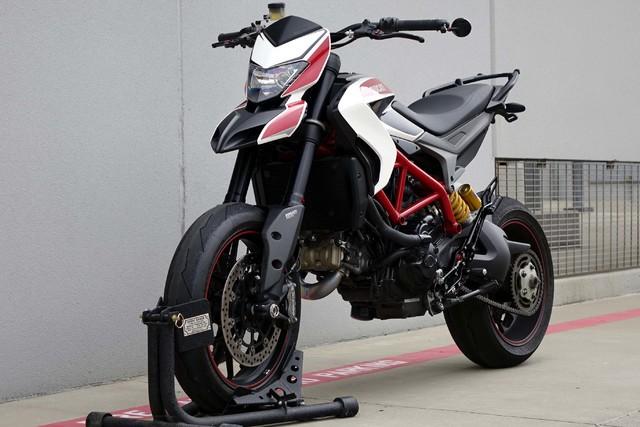2014 Ducati Hypermotard SP * 1-OWNER * Lots of Extras * AKRAPOVIC * TEXAS in Carrollton, TX 75006