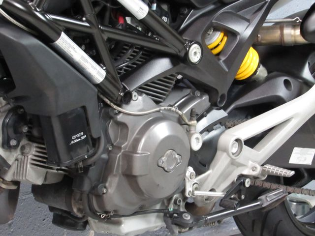 2014 Ducati Monster 696 in Dania Beach , Florida 33004