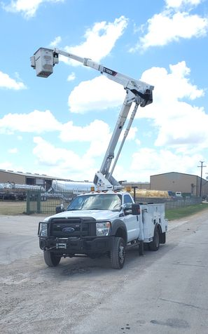 2014 F550 4WD LOW MILES AC TEREX 45FT BUCKET/BOOM TRUCK in Fort Worth, TX