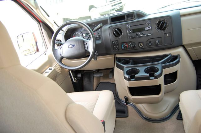 2014 Ford 15 Pass. XLT Charlotte, North Carolina 14
