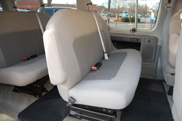 2014 Ford 15 Pass. XLT Charlotte, North Carolina 9