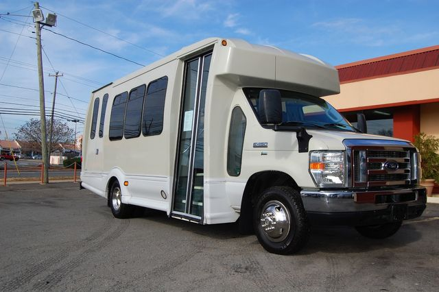 2014 Ford 15 Pass. Mini Bus Charlotte, North Carolina 1
