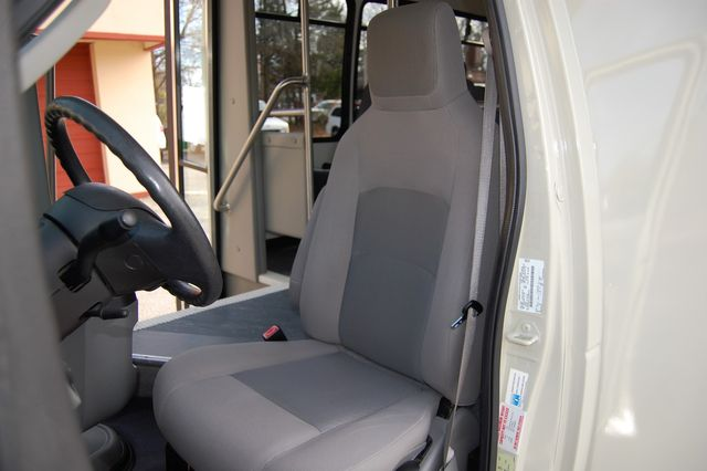 2014 Ford 15 Pass. Mini Bus Charlotte, North Carolina 5