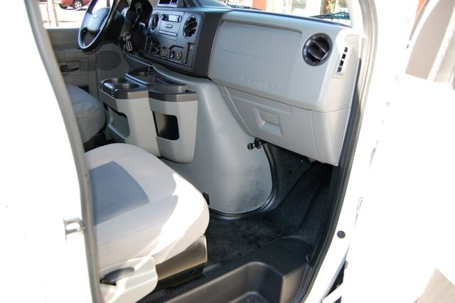 2014 Ford 8 Pass. XL Charlotte, North Carolina 6