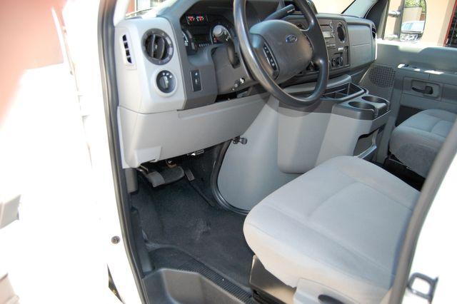 2014 Ford E250 Cargo van Charlotte, North Carolina 4