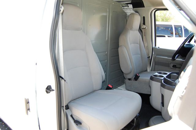2014 Ford E250 Cargo van Charlotte, North Carolina 8