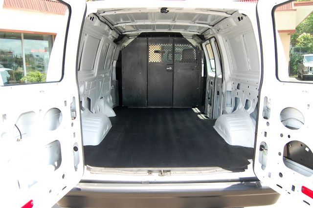 2014 Ford E250 Cargo van Charlotte, North Carolina 9