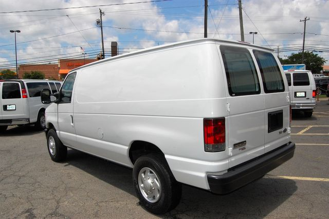2014 Ford E250 Cargo van Charlotte, North Carolina 3