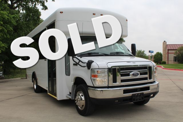 2014 Ford E450 15 Passenger  Winnebago Shuttle Bus Irving, Texas 0
