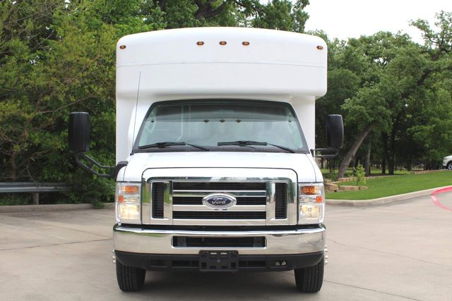 2014 Ford E450 15 Passenger  Winnebago Shuttle Bus Irving, Texas 2