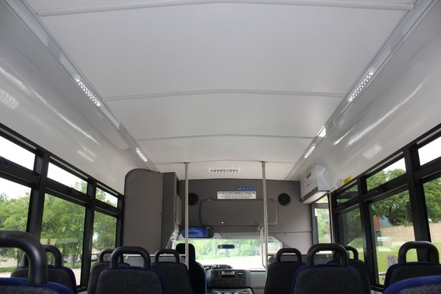 2014 Ford E450 15 Passenger  Winnebago Shuttle Bus Irving, Texas 24
