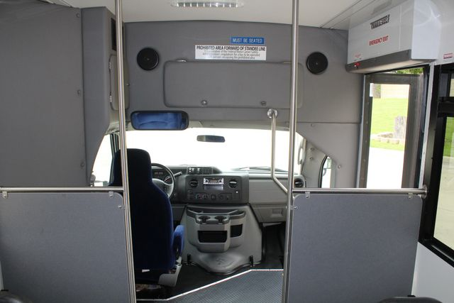 2014 Ford E450 15 Passenger  Winnebago Shuttle Bus Irving, Texas 26