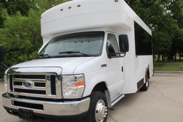 2014 Ford E450 15 Passenger  Winnebago Shuttle Bus Irving, Texas 55