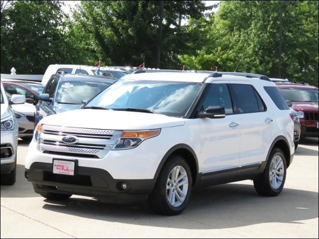 2014 Ford Explorer XLT Oxford White 4WD OneOwner/3rdRowSeat in  Iowa