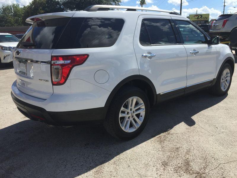 2014 Ford Explorer XLT  Brownsville TX  English Motors  in Brownsville, TX